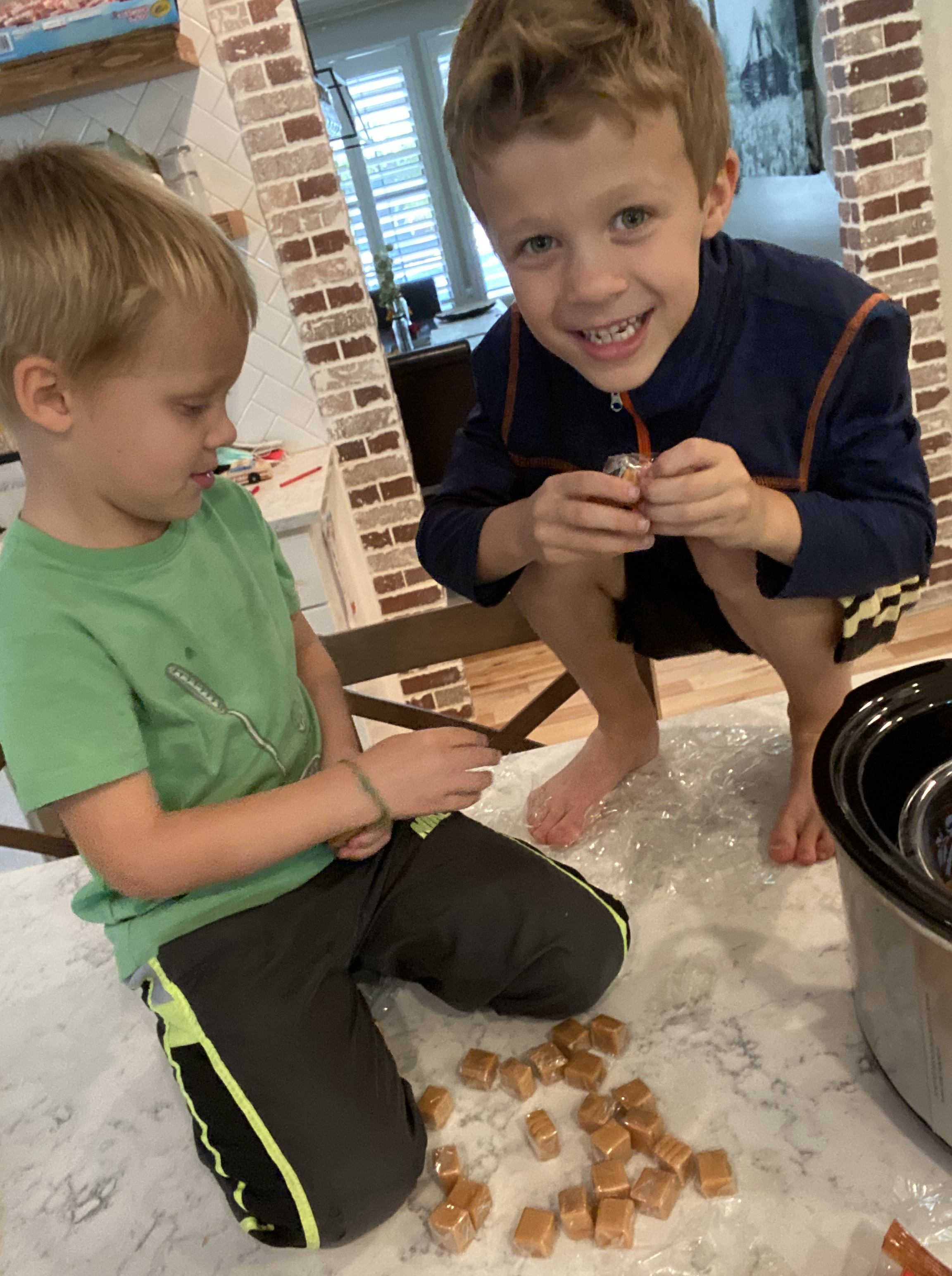Crock Pot Caramel Apples